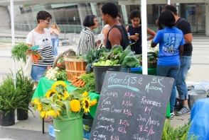 <p>Project EATS Farm Stand</p>