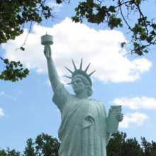 <p>Replica of the Statue of Liberty</p>