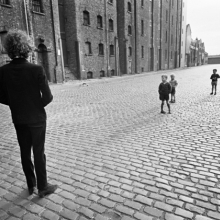 <p>Barry Feinstein (American, born 1931). <i>Bob Dylan with Kids, Liverpool, England</i>, 1966 (printed 2009). Gelatin silver print. Courtesy Barry Feinstein</p>