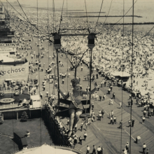 <p>Unknown artist. <em>Modern Venus of 1947, Coney Island</em>, 1947. Gelatin silver photograph, image: 10<sup>3</sup>⁄<sub>4</sub> x 13<sup>7</sup>⁄<sub>8</sub> in. (27.3 × 35.2 cm). Brooklyn Museum, Brooklyn Museum Collection, X894.18. (Photo: Christine Gant, Brooklyn Museum)</p>