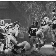 <p>Robert Riger (American, 1924&ndash;1995). <em>The Golden Arm, Johnny Unitas</em>, 1958. Gelatin silver print, 12<sup>3</sup>&frasl;<sub>4</sub> x 18<sup>1</sup>&frasl;<sub>4</sub> in. (32.4 x 46.4 cm). Collection of the artist. &copy; Robert Riger. Courtesy of the Robert Riger Living Trust</p>