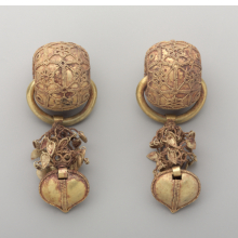 <p><em>Pair of Earrings</em>. Korea, Unified Silla period, 6th century. Gold, 3<sup>11</sup>/<sub>16 </sub>x 1<sup>3</sup>/<sub>8</sub> in. (9.4 x 3.5 cm), each. Brooklyn Museum, Gift of Theodora Wilbour and Jane Van Vleck, by exchange and Designated Purchase Fund, 2013.3a&ndash;b. (Photo: Sarah DeSantis, Brooklyn Museum)</p>