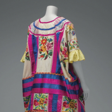 <p>Cotton Mazatec <em>huipil</em> hand-embroidered and appliqu&eacute;d; plain floor-length skirt. &copy; Diego Rivera and Frida Kahlo Archives, Banco de M&eacute;xico, Fiduciary of the Trust of the Diego Rivera and Frida Kahlo Museums. (Photo: Javier Hinojosa, courtesy of V&amp;A Publishing)</p>
