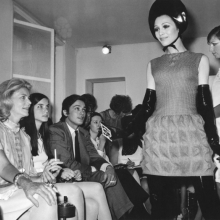 <p>Lauren Bacall, Leslie Bogart, and Alain Delon at Pierre Cardin's Fall 1968 fashion show. (Photo: Courtesy of Archives Pierre Cardin. © Archives Pierre Cardin)</p>