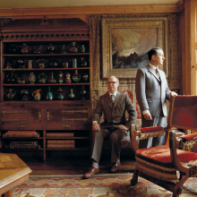 <p>Gilbert & George in their London home, 1987. (Photo: Derry Moore)</p>