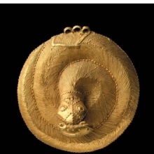 <p><em>Snake Pendant</em>. Unidentified Ebri&eacute; or Baule artist, 19th century. Central or southern C&ocirc;te d&rsquo;Ivoire. Gold, 3<sup>9</sup>&frasl;<sub>16</sub> x <sup>15</sup>&frasl;<sub>16</sub> in. (9 &times; 3.3 cm). Frank L. Babbott Fund, 54.161</p>