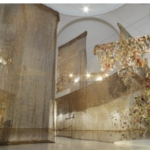 <p>El Anatsui (Ghanaian, b. 1944). <i>Gli (Wall)</i>, 2010. Aluminum and copper wire, installation at the Brooklyn Museum, dimensions variable. Courtesy of the artist and Jack Shainman Gallery, New York. Brooklyn Museum photograph</p>