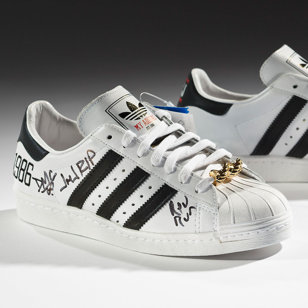 <p>adidas x Run&ndash;DMC. 25th Anniversary Superstar, 2011. Courtesy of Run&ndash;DMC, collection of Erik Blam. (Photo: Ron Wood. Courtesy American Federation of Arts/Bata Shoe Museum)</p>