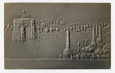 """<em>""""Memorial Arch, Brooklyn, N.Y. Recto.""""</em>. Postcard, 3.5 x 5.5 in (8.9 x 14 cm). Brooklyn Museum, CHART_2012. (F129_B79_P84_Memorial_Arch_recto.jpg"""