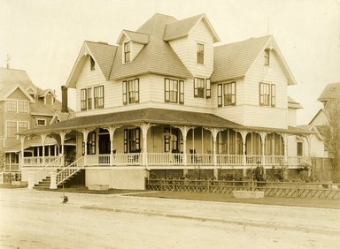 "<em>""Beach Haven: the great seashore opportunity. Views of Beach Haven. View 04: house(s).""</em>, 1900-1914. Bw photograph (original print), 9 x 7in (23 x 18cm). Brooklyn Museum, Beachhaven. (F142_O2_B35_Beachhaven_002.jpg"