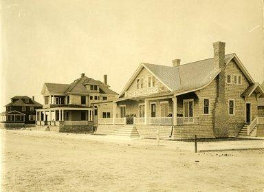 "<em>""Beach Haven: the great seashore opportunity. Views of Beach Haven. View 05: house(s).""</em>, 1900-1914. Bw photograph (original print), 9 x 7in (23 x 18cm). Brooklyn Museum, Beachhaven. (F142_O2_B35_Beachhaven_003.jpg"