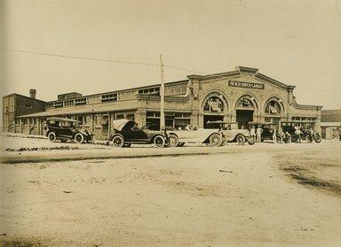 "<em>""Beach Haven: the great seashore opportunity. Views of Beach Haven. View 42: Beach Haven Garage, cars.""</em>, 1900-1914. Bw photograph (original print), 9 x 7in (23 x 18cm). Brooklyn Museum, Beachhaven. (F142_O2_B35_Beachhaven_040.jpg"
