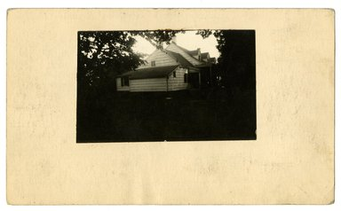 "<em>""Preliminary survey of the Bennett homestead prepared for the Historic American Buildings Survey.""</em>, ca. 1936. Bw photograph, 3 x 5in. Brooklyn Museum, CHART_2011. (NA735_B8_H621b_HABS_Bennett_Homestead_01_verso.jpg"