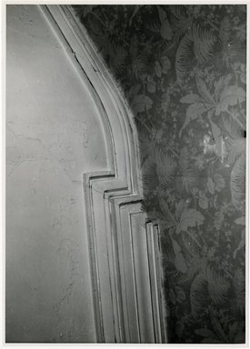 "<em>""Moulding at ceiling over beginning of stairs, main hall. Lay House, 11 Cranberry Street, Brooklyn, N.Y. (detail).""</em>. Bw photographic print, 5 x 7 in (13 x 16 cm). Brooklyn Museum, CHART_2011. (Photo: Brooklyn Museum, NA735_B8_L45_Lay_House_neg1568-E_print.jpg"