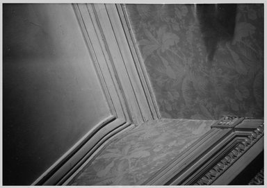 "<em>""Moulding at ceiling  corner rear hall. Lay House, 11 Cranberry Street, Brooklyn, N.Y. (detail).""</em>. Bw photographic print, 5 x 7 in (13 x 16 cm). Brooklyn Museum, CHART_2011. (Photo: Brooklyn Museum, NA735_B8_L45_Lay_House_neg1568-F_print.jpg"