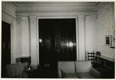 "<em>""Looking north, main room. Lay House, 11 Cranberry Street, Brooklyn, N.Y.""</em>. Bw photographic print, 5 x 7 in (13 x 16 cm). Brooklyn Museum, CHART_2011. (Photo: Brooklyn Museum, NA735_B8_L45_Lay_House_neg1568-G_print.jpg"