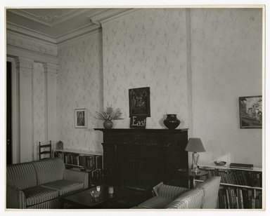 "<em>""East wall from south side, main room. Lay House, 11 Cranberry Street, Brooklyn, N.Y.""</em>. Bw photographic print, 5 x 7 in (13 x 16 cm). Brooklyn Museum, CHART_2011. (Photo: Brooklyn Museum, NA735_B8_L45_Lay_House_neg1568-I_print.jpg"