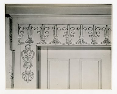 "<em>""Top of large double doors, 2nd floor. Lay House, 11 Cranberry Street, Brooklyn, N.Y. (detail).""</em>. Bw photographic print, 5 x 7 in (13 x 16 cm). Brooklyn Museum, CHART_2011. (Photo: Brooklyn Museum, NA735_B8_L45_Lay_House_neg1568-U_print.jpg"