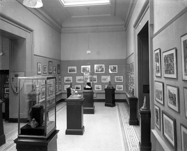 "<em>""Brooklyn Museum building: interior. View: Painting and Sculpture: American Gallery: John Singer Sargent watercolors and Bessie Potter Vonnoh sculptures, 1909. Floor: 5.""</em>, 1909. Glass negative 8x10in, 8 x 10 in. Brooklyn Museum, CHART_2013. (Photo: Brooklyn Museum, PHO_INT_VIEW_PSC_American_Gallery_John_Singer_Sargent_001_glass_bw.jpg"