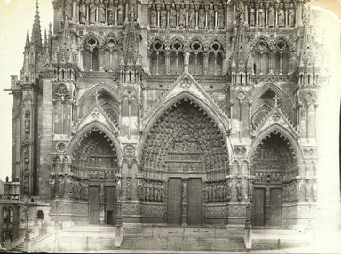 """<em>""""Cathedral, Amiens, France, 1903""""</em>, 1903. Bw photographic print 5x7in, 5 x 7 in. Brooklyn Museum, Goodyear. (Photo: Brooklyn Museum, S03i0717v01.jpg"""