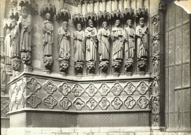 """<em>""""Cathedral, Amiens, France, 1903""""</em>, 1903. Bw photographic print 5x7in, 5 x 7 in. Brooklyn Museum, Goodyear. (Photo: Brooklyn Museum, S03i0719v01.jpg"""