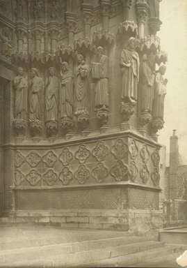 """<em>""""Cathedral, Amiens, France, 1903""""</em>, 1903. Bw photographic print 5x7in, 5 x 7 in. Brooklyn Museum, Goodyear. (Photo: Brooklyn Museum, S03i0721v01.jpg"""