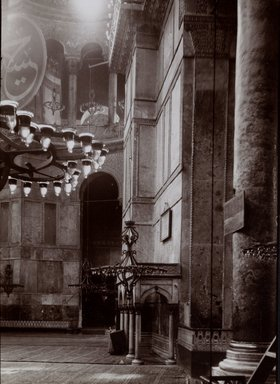 "<em>""St. Sophia, Istanbul, Turkey, 1914""</em>, 1914. Bw photographic print 5x7in, 5 x 7 in. Brooklyn Museum, Goodyear. (Photo: Brooklyn Museum, S03i1190v01.jpg"