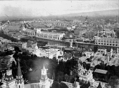 "<em>""Paris Exposition: aerial view, Paris, France, 1900""</em>, 1900. Glass negative 3.25x4.25in, 3.25 x 4.25 in. Brooklyn Museum, Goodyear. (Photo: Brooklyn Museum, S03i1497n01a.jpg"