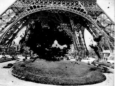 "<em>""Paris Exposition: Eiffel Tower, Paris, France, 1900""</em>, 1900. Glass negative 3.25x4.25in, 3.25 x 4.25 in. Brooklyn Museum, Goodyear. (Photo: Brooklyn Museum, S03i1510n01a.jpg"