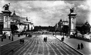 "<em>""Paris Exposition: Grand Palais, Petite Palais, Paris, France, 1900""</em>, 1900. Glass negative 3.25x4.25in, 3.25 x 4.25 in. Brooklyn Museum, Goodyear. (Photo: Brooklyn Museum, S03i1519n01a.jpg"
