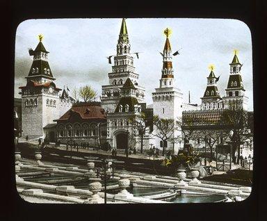"<em>""Paris Exposition: Russian Pavilion, Paris, France, 1900""</em>, 1900. Lantern slide 3.25x4in, 3.25 x 4 in. Brooklyn Museum, Goodyear. (Photo: Brooklyn Museum, S03i1554l01_SL1.jpg"
