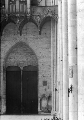 "<em>""Cathedral, Amiens, France, 1907""</em>, 1907. Lantern slide 3.25x4in, 3.25 x 4 in. Brooklyn Museum, Goodyear. (Photo: Brooklyn Museum, S03i1797l01.jpg"