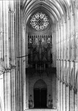 "<em>""Cathedral, Amiens, France, 1907""</em>, 1907. Lantern slide 3.25x4in, 3.25 x 4 in. Brooklyn Museum, Goodyear. (Photo: Brooklyn Museum, S03i1799l01.jpg"