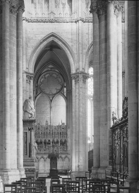 "<em>""Cathedral, Amiens, France, 1907""</em>, 1907. Lantern slide 3.25x4in, 3.25 x 4 in. Brooklyn Museum, Goodyear. (Photo: Brooklyn Museum, S03i1812l01.jpg"
