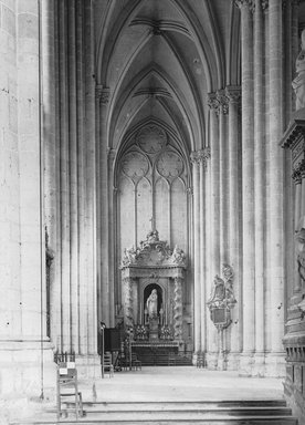 "<em>""Cathedral, Amiens, France, 1907""</em>, 1907. Lantern slide 3.25x4in, 3.25 x 4 in. Brooklyn Museum, Goodyear. (Photo: Brooklyn Museum, S03i1818l01.jpg"
