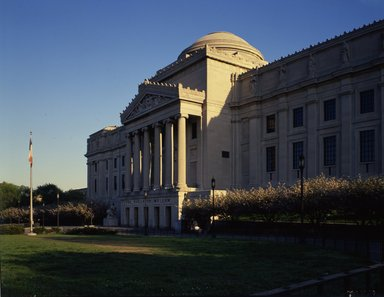 "<em>""Brooklyn Museum: exterior. View of the Eastern Parkway façade from the west, n.d. (ca. 1971-1988).""</em>, 1971. Color transparency 4x5in, 4 x 5in (10.2 x 12.7 cm). Brooklyn Museum, Museum building. (Photo: Brooklyn Museum, S06_BEEi083.jpg"