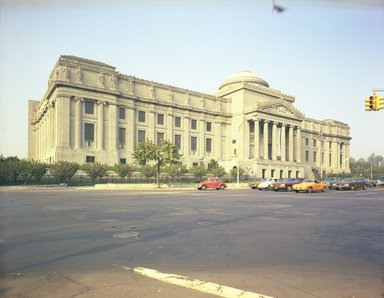 "<em>""Brooklyn Museum: exterior. View of the Eastern Parkway façade from the northeast, showing Eastern Parkway in the foreground, 05/1975.""</em>, 1975. Color negative 4x5in, 4 x 5in (10.2 x 12.7 cm). Brooklyn Museum, Museum building. (Photo: Brooklyn Museum, S06_BEEi093.jpg"