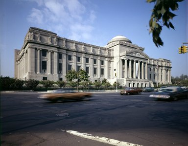 "<em>""Brooklyn Museum: exterior. View of the Eastern Parkway façade from the northeast, showing Eastern Parkway in the foreground, 05/1975.""</em>, 1975. Color transparency 4x5in, 4 x 5in (10.2 x 12.7 cm). Brooklyn Museum, Museum building. (Photo: Brooklyn Museum, S06_BEEi094.jpg"