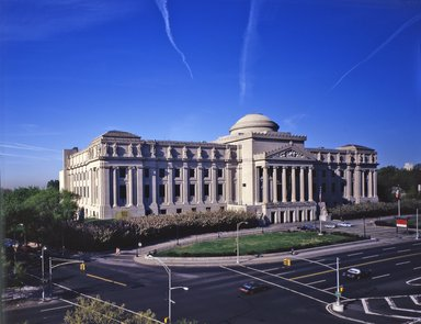 "<em>""Brooklyn Museum: exterior. View of the Eastern Parkway façade from the northeast, showing jet contrails above the museum, n.d. (ca. 1987).""</em>, 1987. Color transparency 4x5in, 4 x 5in (10.2 x 12.7 cm). Brooklyn Museum, Museum building. (Photo: Brooklyn Museum, S06_BEEi117.jpg"