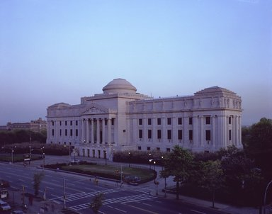 "<em>""Brooklyn Museum: exterior. View of the Eastern Parkway façade from the northwest, showing Eastern Parkway in the foreground, 1987.""</em>, 1987. Color negative 4x5in, 4 x 5in (10.2 x 12.7 cm). Brooklyn Museum, Museum building. (Photo: Brooklyn Museum, S06_BEEi119.jpg"