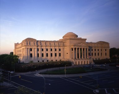 "<em>""Brooklyn Museum: exterior. View of the Eastern Parkway façade from the northeast at dusk, showing Eastern Parkway and Washington Avenue in the foreground, 1987.""</em>, 1987. Color transparency 4x5in, 4 x 5in (10.2 x 12.7 cm). Brooklyn Museum, Museum building. (Photo: Brooklyn Museum, S06_BEEi120.jpg"