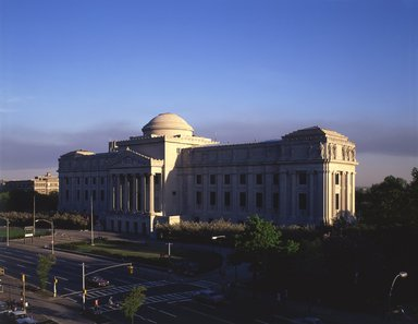 "<em>""Brooklyn Museum: exterior. View of the Eastern Parkway façade from the northwest, showing Eastern Parkway in the foreground, 1987.""</em>, 1987. Color transparency 4x5in, 4 x 5in (10.2 x 12.7 cm). Brooklyn Museum, Museum building. (Photo: Brooklyn Museum, S06_BEEi123.jpg"