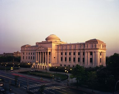 "<em>""Brooklyn Museum: exterior. View of the Eastern Parkway façade from the northwest, showing Eastern Parkway in the foreground, 1987.""</em>, 1987. Color negative 4x5in, 4 x 5in (10.2 x 12.7 cm). Brooklyn Museum, Museum building. (Photo: Brooklyn Museum, S06_BEEi125.jpg"