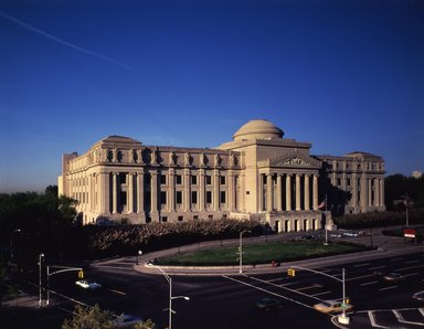 "<em>""Brooklyn Museum: exterior. View of the Eastern Parkway façade from the northeast, showing Eastern Parkway and Washington Avenue in the foreground, 1987.""</em>, 1987. Color transparency 4x5in, 4 x 5in (10.2 x 12.7 cm). Brooklyn Museum, Museum building. (Photo: Brooklyn Museum, S06_BEEi126.jpg"