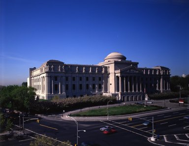 "<em>""Brooklyn Museum: exterior. View of the Eastern Parkway façade from the northeast, showing Eastern Parkway and Washington Avenue in the foreground, 1987.""</em>, 1987. Color transparency 4x5in, 4 x 5in (10.2 x 12.7 cm). Brooklyn Museum, Museum building. (Photo: Brooklyn Museum, S06_BEEi128.jpg"