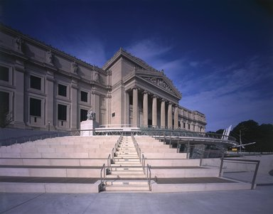 "<em>""Brooklyn Museum: exterior. View of Eastern Parkway façade from the northeast, showing amphitheater steps, 2004.""</em>, 2004. Color transparency 4x5in, 4 x 5in (10.2 x 12.7 cm). Brooklyn Museum, Museum building. (Photo: Brooklyn Museum, S06_BEEi162.jpg"