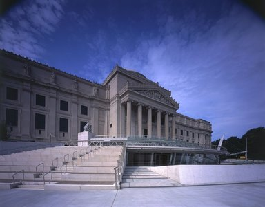 "<em>""Brooklyn Museum: exterior. View of Eastern Parkway façade from the northeast, showing amphitheater steps, 2004.""</em>, 2004. Color transparency 4x5in, 4 x 5in (10.2 x 12.7 cm). Brooklyn Museum, Museum building. (Photo: Brooklyn Museum, S06_BEEi163.jpg"
