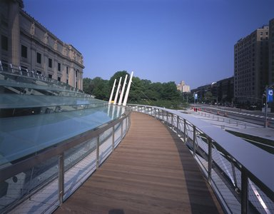 "<em>""Brooklyn Museum: exterior. View of walkway from the walkway, showing glass canopy and Eastern Parkway, 2004.""</em>, 2004. Color transparency 4x5in, 4 x 5in (10.2 x 12.7 cm). Brooklyn Museum, Museum building. (Photo: Brooklyn Museum, S06_BEEi166.jpg"