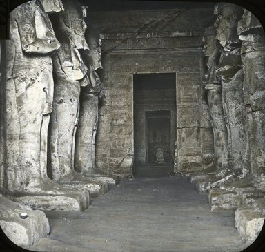 "<em>""Views, Objects: Egypt. Abu Simbel. View 04: Egypt. Abu Simbel. Figures of Ramses II.""</em>. Lantern slide 3.25x4in, 3.25 x 4 in. Brooklyn Museum, lantern slides. (Photo: T. H. McAllister, New York, S10_08_Egypt_AbuSimbel04.jpg"