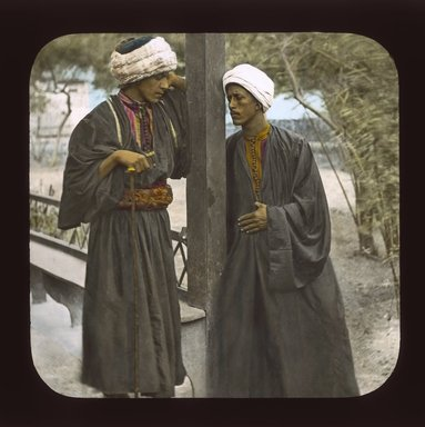 "<em>""Views, Objects: Egypt. General Views; People. View 086: Arab porters, Alexandria.""</em>. Lantern slide 3.25x4in, 3.25 x 4 in. Brooklyn Museum, lantern slides. (S10_08_Egypt_GeneralViews_People086_SL1.jpg"